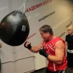 Олег Маскаев вернется на ринг в рамках турнира «Возвращение чемпионов», который состоится 30 декабря в Москве
