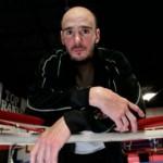 Келли Павлик завершил боксерскую карьеру