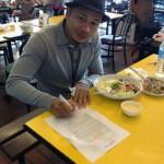Фото дня: Йодсенклай подписывает контракт с Lion Fight