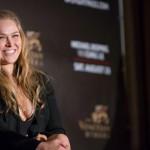 Чемпионка UFC согласилась подраться с Мейвезером после расставания