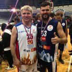 «Шаг вместе». Звезды и политики сыграли в благотворительном матче в Москве